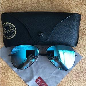 EUC Ray-Ban Aviator sunglasses 😎